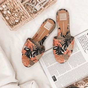 DOLCE VITA TROPICAL DOLL SLIDE SANDALS
